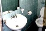 Baño en el hotel Luna and Simone