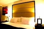 Unas de las habitaciones en el hotel Pestana Chelsea Bridge.