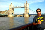 Al lado del Tower Bridge