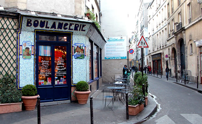 La típica panadería francesa en París