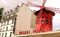 La emblemática y reconocible fachada del Moulin Rouge