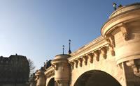 El Pont Neuf unos de los principales puentes sobre el Río Sena